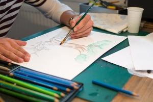 Colorieren der Zeichnung mit Aquarellfarben